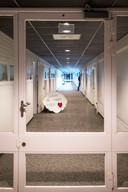 Eén van de gangen in van de Van der Hoeven Kliniek.