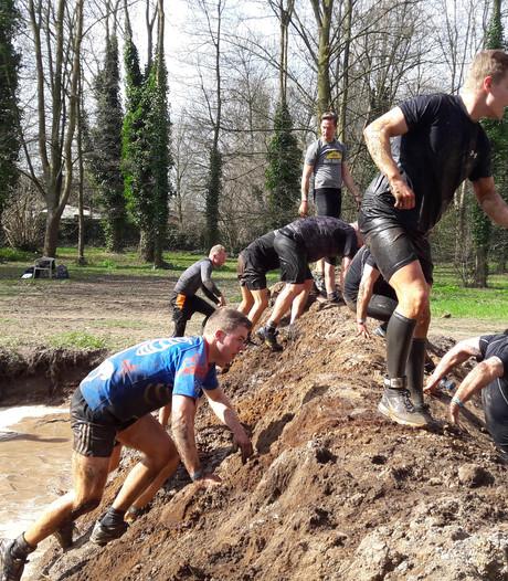 10.000 Vikingen glibberen door de modder