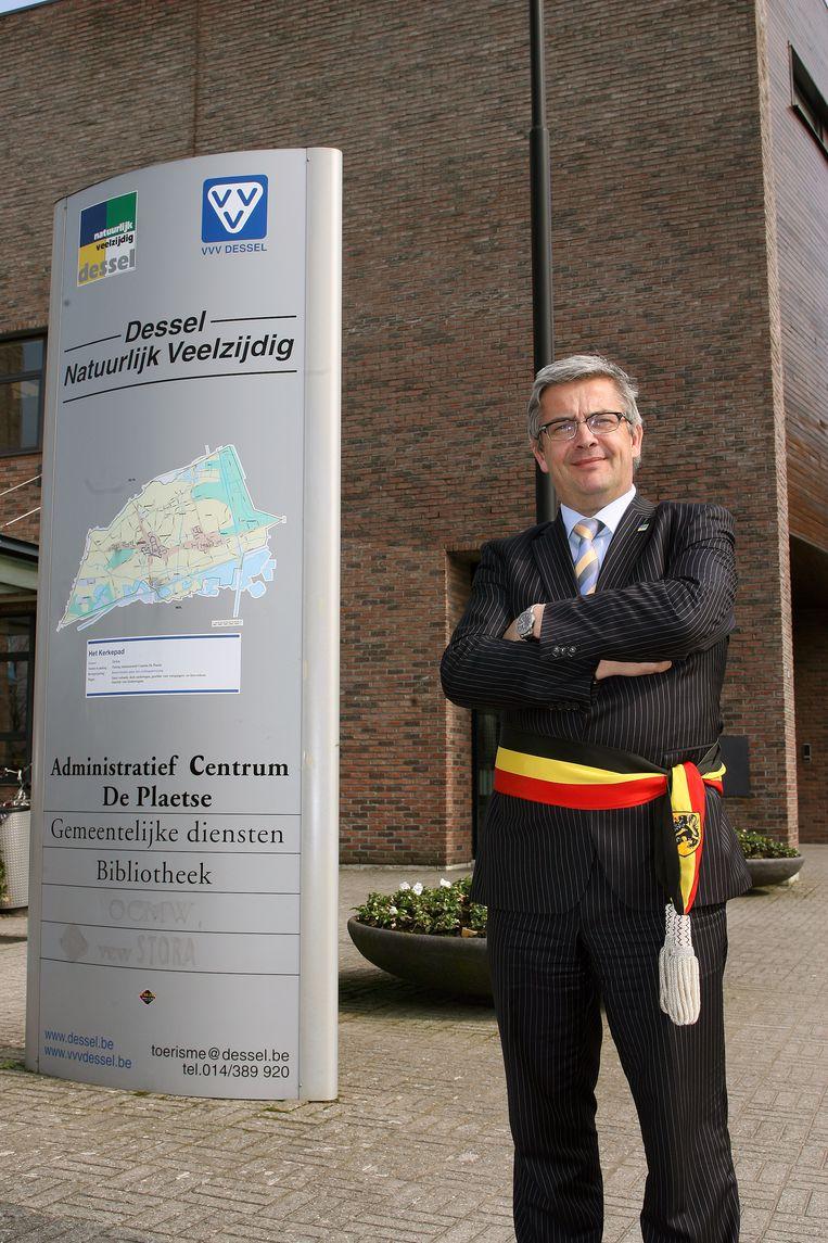 Sinds 2007 is Van Dijck onafgebroken de burgervader van Dessel.
