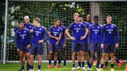 Anderlecht laat zich eindelijk zien, al oefent het vandaag opnieuw achter gesloten deuren