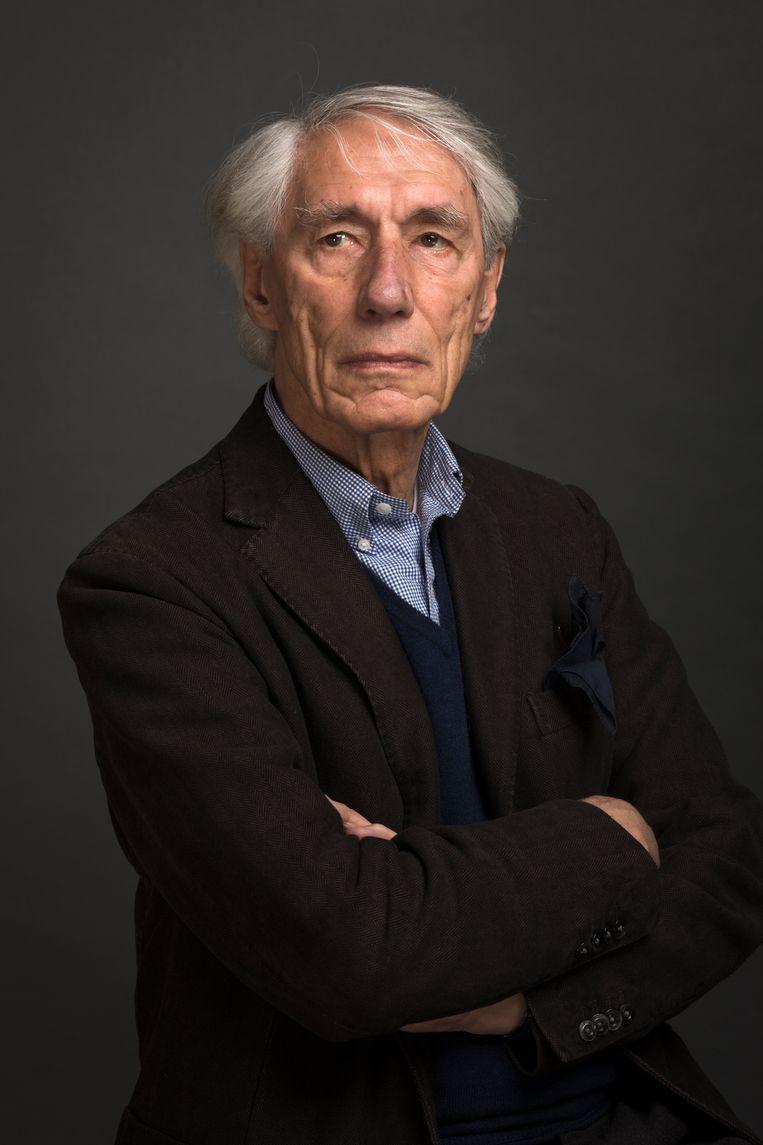 Wim Crouwel (90) is grafisch ontwerper en vooral bekend van zijn lettertypes. Onder de titel Wim Crouwel: Mr. Gridnik opent op 28 september een overzichtstentoonstelling in het Stedelijk Museum, waarvoor Crouwel van 1963 tot 1985 alle grafische uitingen maakte. In 1985 werd hij directeur van Museum Boijmans van Beuningen. Beeld Koos Breukel