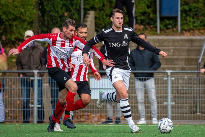 SML-speler Hidde Eshuis (rechts) aan de bal, eerder dit seizoen.