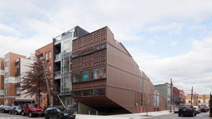 21 gestapelde containers vormen de basis van deze waanzinnige woning