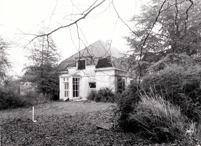 Het inmiddels gesloopte Koetshuis in het centrum van Best in 1980.