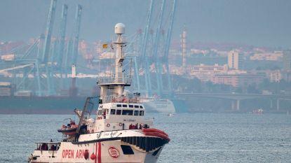 Voorzitter EU-parlement eist hulp voor migrantenschip dat al week op zee dobbert