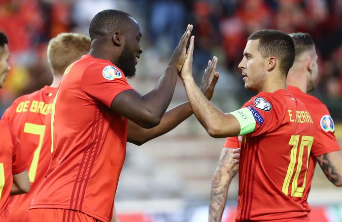 België: Romelu Lukaku met Real Madrid-aanwinst Eden Hazard, die zijn honderdste interland speelde.