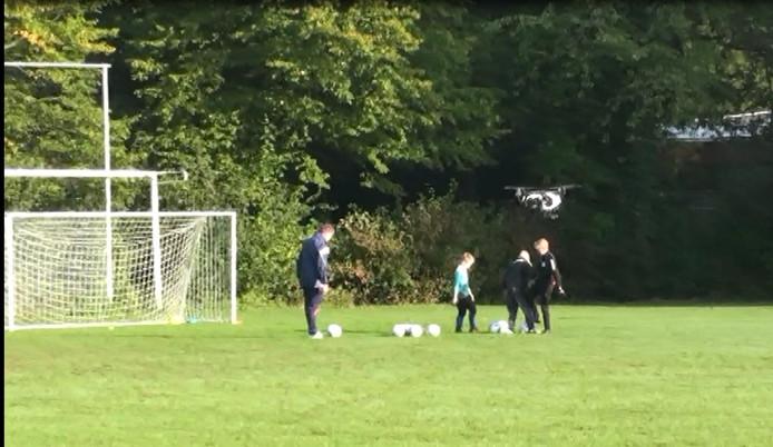 Beelden van de drone tijdens de training. Foto: Coen de Jong