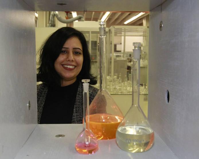 Jalila Essaïdi werd bekend met haar vinding: een kogelwerende huid van spinnenzijde. Inmiddels runt ze BioArt Laboratories, met een team van zo'n dertig man.