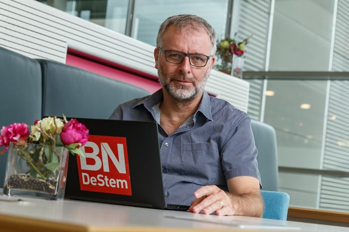 Wim van den Broek is regioverslaggever van de gemeente Halderberge.