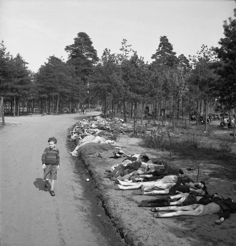 Sieg Maandag als zevenjarig jongetje, kort na de bevrijding van concentratiekamp Bergen Belsen. Beeld George Rodger/The Life Picture Collection/Getty Images