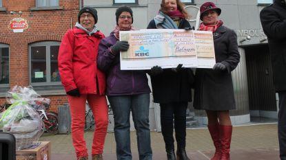Rol-Mopsen zamelen 5.000 euro in voor Kom op tegen Kanker