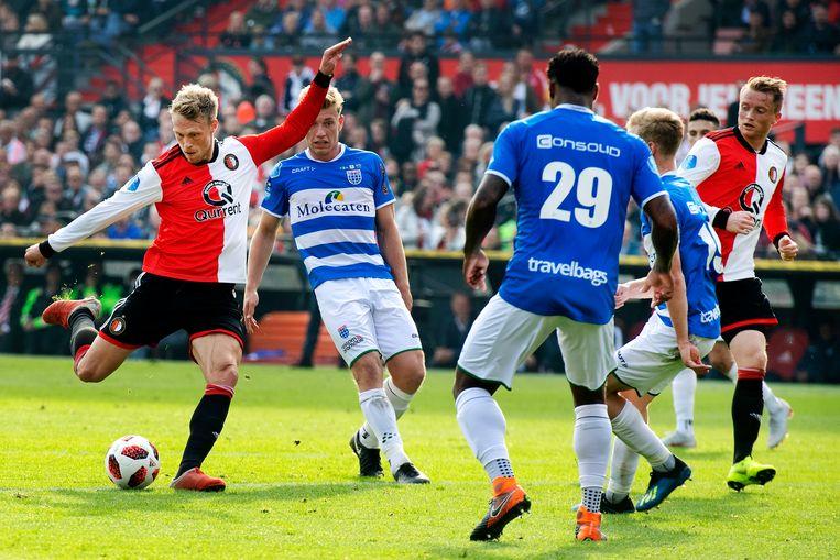 Nicolai Jörgensen van Feyenoord met een schot op doel. Beeld Olaf Kraak