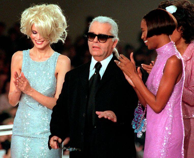 Karl met Claudia Schiffer en Naomi Campbell.  Beeld AP