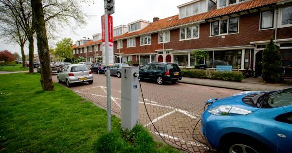 Laadpalen elektrische auto's dreigen stroomnet te overbelasten