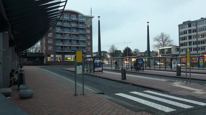 Verlaten busstation in Wageningen. Op 5 mei is het er heel erg druk