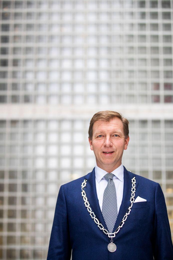 De Veenendaalse burgemeester Gert-Jan Kats. ,,Het raakt me altijd, als ik een besluit over mensen moet nemen.''