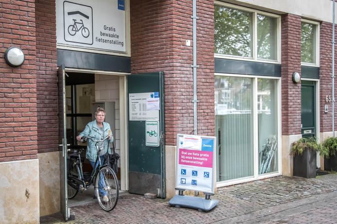 In 2017 ging de fietsenstalling aan de Pletterstraat dicht, nadat aan het Gasthuisplein een nieuwe opende.