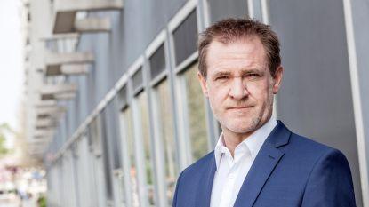 """VRT-correspondent Björn Soenens neemt single op: """"Het is begonnen als een grap"""""""