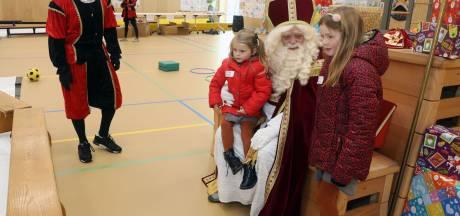 Steense Sint maakt tijd voor ontmoeting met lieve kindertjes