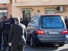 Ouders nemen in besloten ceremonie op begraafplaats afscheid van Julen