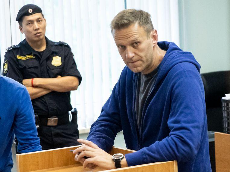 Alexei Navalny vorige week in een rechtbank in Moskou. Hij wordt volgens zijn advocaat vervolgd voor het organiseren van een illegale demonstratie. Beeld null