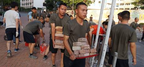 Chinese leger helpt Hongkong (ongevraagd) met opruimen