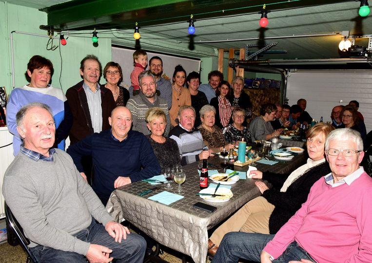 Er werd opnieuw een leuk feestje georganiseerd in de garage van Julien