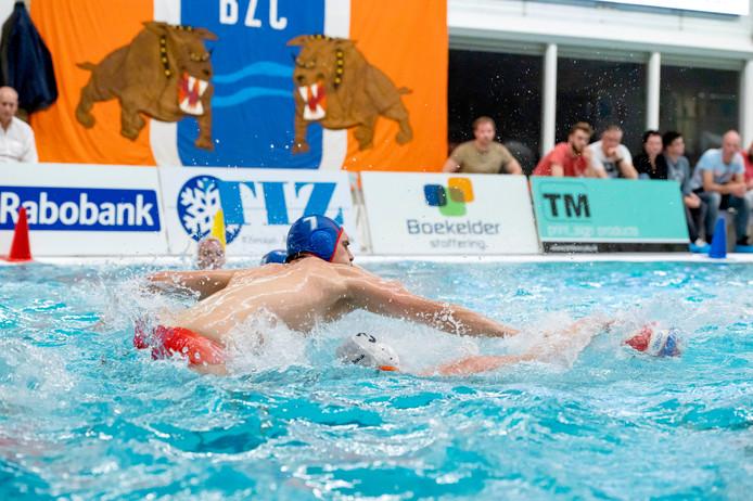 Door een lek in zwembad 't Timpke in Borculo, kan het thuisduel van BZC tegen ZPB zaterdag niet doorgaan.