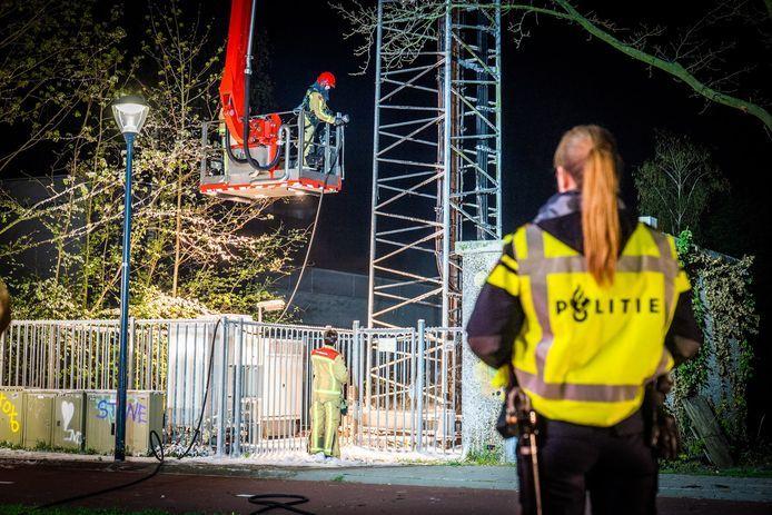 De brandweer en politie waren eerder present bij een zendmast na een brandstichting in het Brabantse Nuenen.