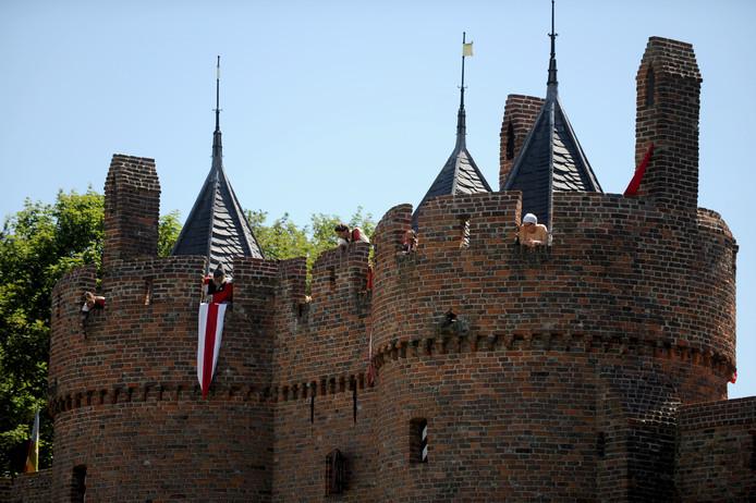Als kasteelmanager zorg je dat alle evenementen soepeltjes verlopen en zorg je dat meer organisatoren het kasteel kiezen als locatie.