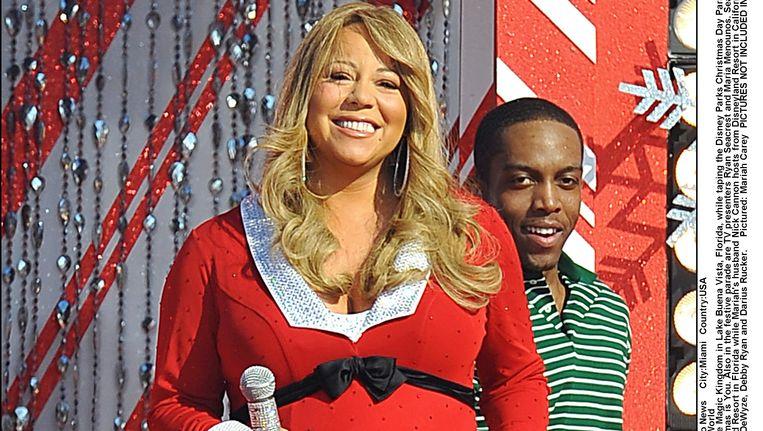 Mariah Carey zong de evergreen All I Want For Christmas Beeld photo_news