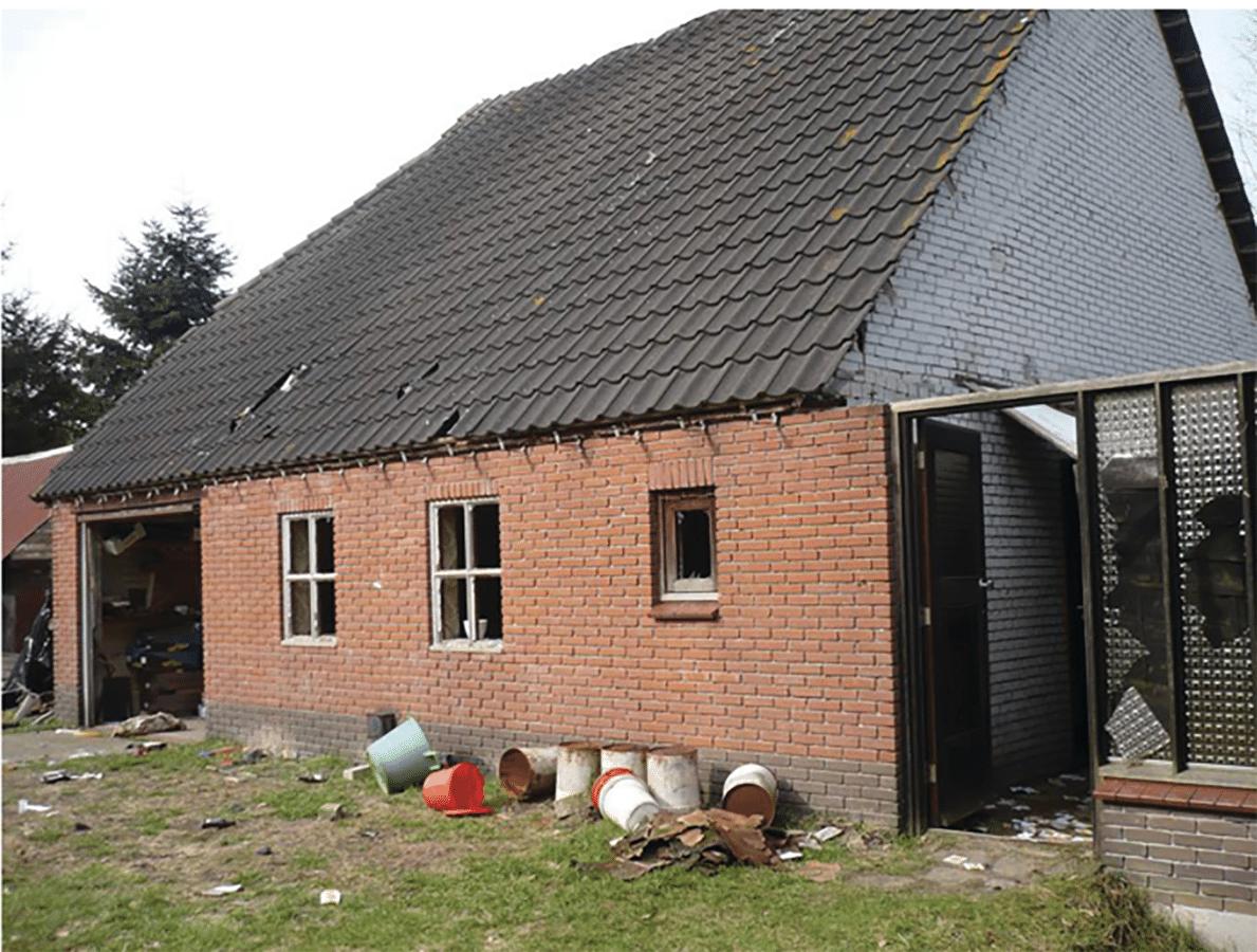 Huis van overleden vader compleet geplunderd foto - Het huis van de cabriolet ...