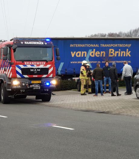 Transportbedrijf in Haaksbergen ontruimd vanwege dampende accu heftruck