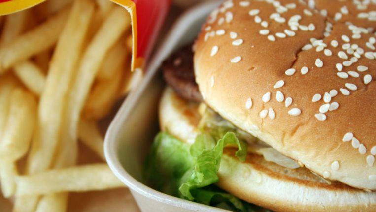 In de VS kiezen steeds meer mensen voor goedkoop fastfood. © Thinkstock Beeld