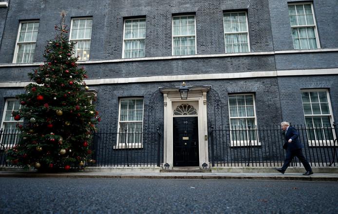 Boris Johnson retourne au 10 Downing Street, la résidence officielle et le lieu de travail du Premier ministre britannique, le 10 décembre 2019.