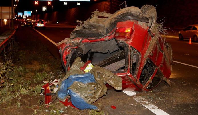 De auto raakte bij het ongeluk zwaarbeschadigd.