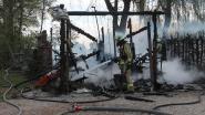 Zware brand legt garage in de as