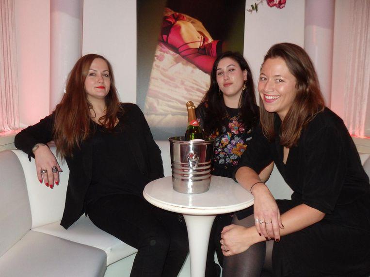 Lot van Beek, Anita Poric en Stefanie de Jong van bureau Natwerk. Poric: 'Wij zijn de lekkere wijven van Natwerk' Beeld Schuim
