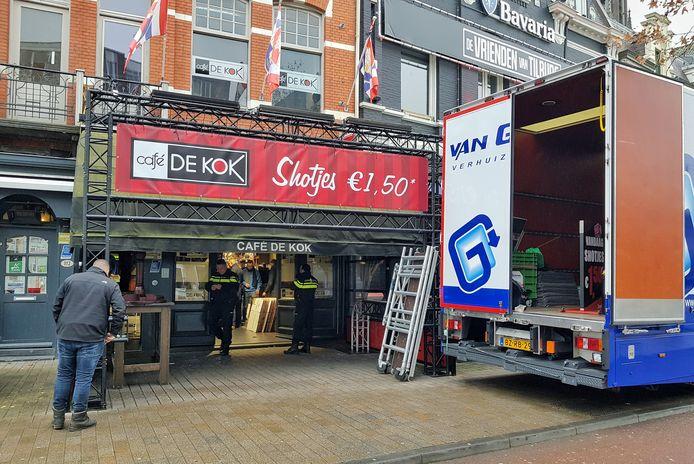 De ontruiming van café De Kok.