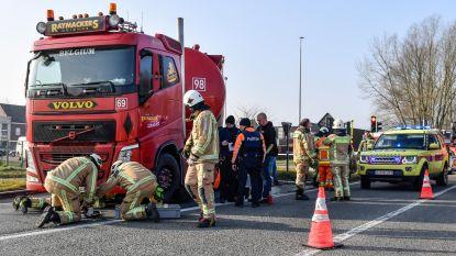 Fietsster even in levensgevaar na aanrijding met vrachtwagen