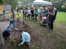 Samen planten met buren in Achtse Barrier