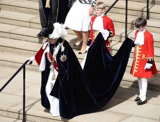 De Britse koningin Elizabeth II, volledig uitgedost, voorafgaand aan de ceremonie in de kapel van St. George in Windsor vorig jaar.