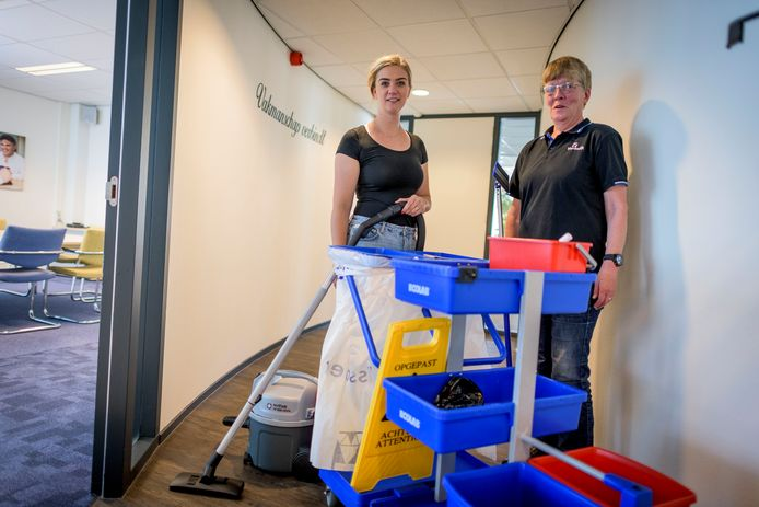 Jobcoach Damiët ter Boo (links) en Marja Lubbers.