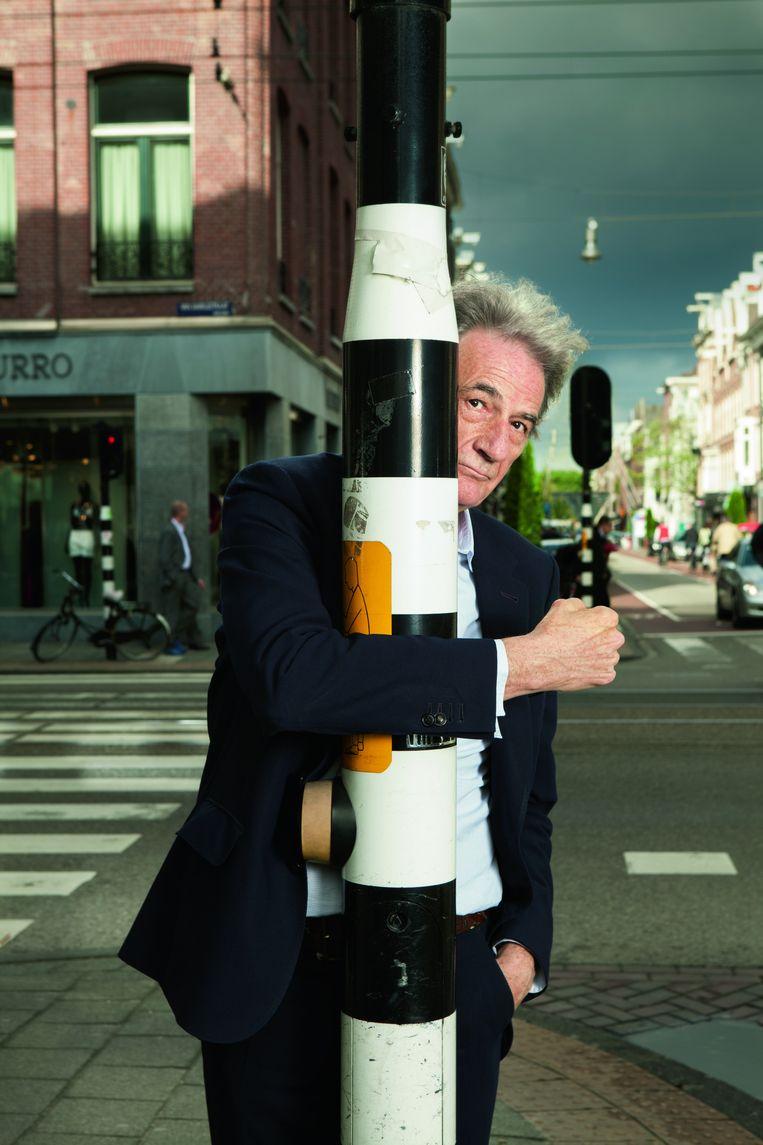 Paul Smith, Brits modeontwerper. Toen hij met mode begon in de jaren zeventig kwam hij vaak in Amsterdam. Ook als wielerfan is hij dol op de stad: 'Bikers rule the city here!' Sinds 2012 heeft hij ook een winkel in de hoofdstad. 'Wel jammer dat alle winkelstraten in de wereld bijna hetzelfde aanbod hebben' Beeld Marte Visser