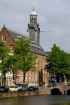 Leiden heeft twee bruggen erbij: de Singelparkbruggen