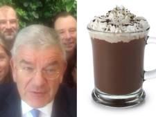 Burgemeester en wethouders schenken warme chocolademelk voor 3FM Serious Request