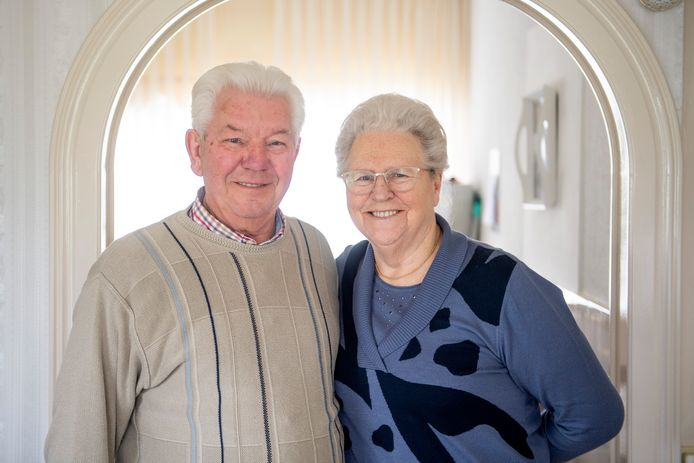 Het echtpaar Brinkman-Pluimers is 60 jaar getrouwd.