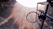 Hoe waanzinnig is deze hoogste basketbalkorf ter wereld?