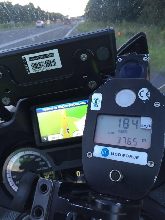 De man reed 184 kilometer per uur.