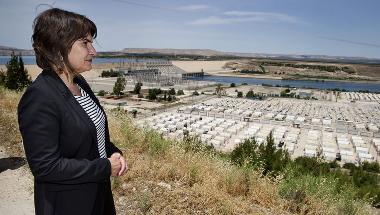 Minister voor Ontwikkelingssamenwerking Lilianne Ploumen tijdens een bezoek aan het Syrische vluchtelingenkamp Nizip in Gaziantep eerder dit jaar. Beeld anp